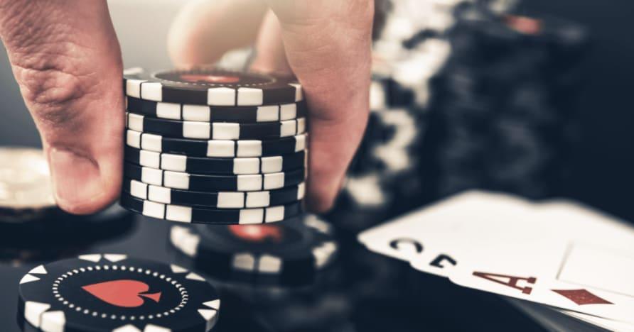 5 lielākās atšķirības starp pokeru un blekdžeku