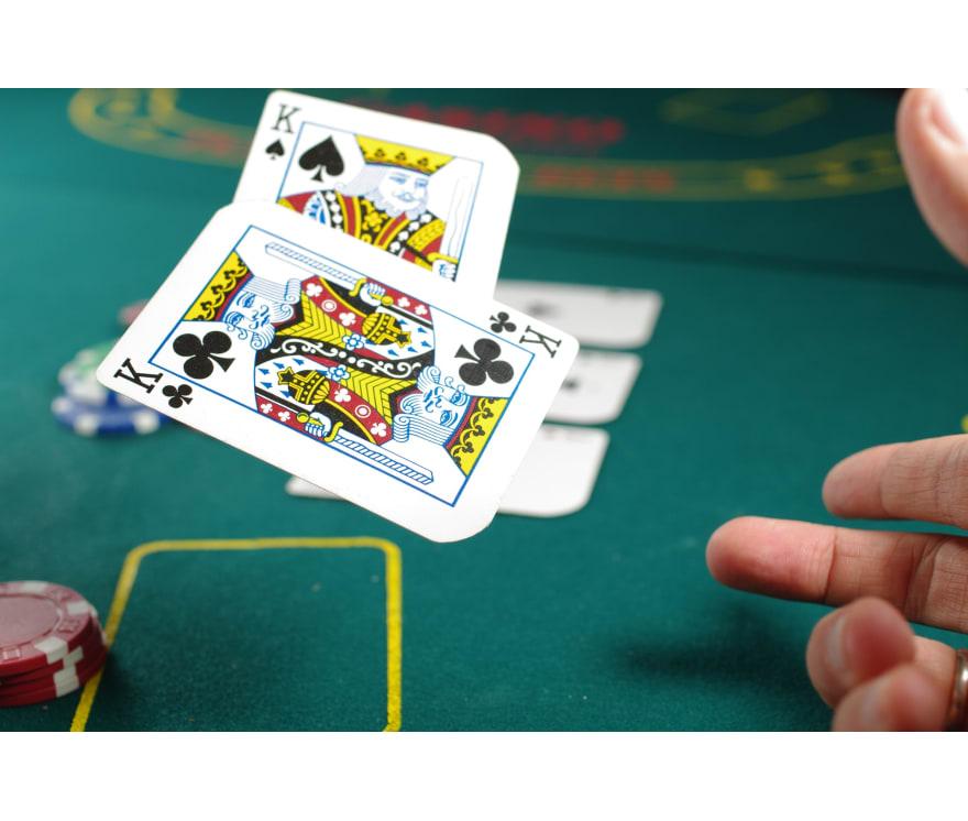 Spēlēt Caribbean Stud Tiešsaistes -Top 28 Lielākie Laimesti Mobilais kazinos 2021