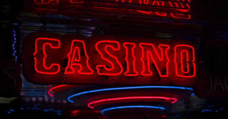 Atšķirība starp tiešsaistes kazino un sauszemes kazino
